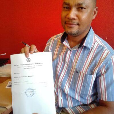 Manuel Abelho presidente Dignity Mozambique con registrazione associazione