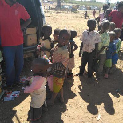 consegna aiuti 4 dopo ciclone Mozambico