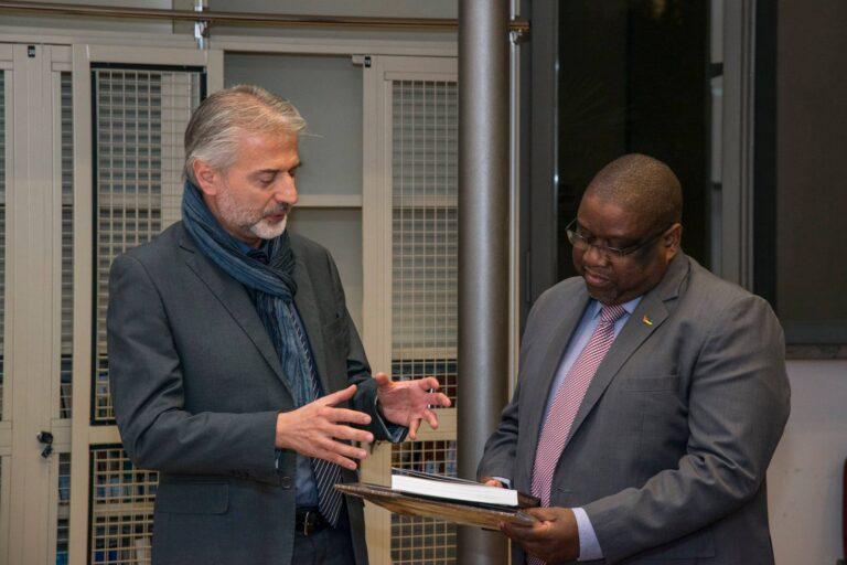 il Segretario Regionale del MiBACT dott. Leonardo Nardella con S.E. César Gouveia, Ambasciatore del Mozambico in Italia