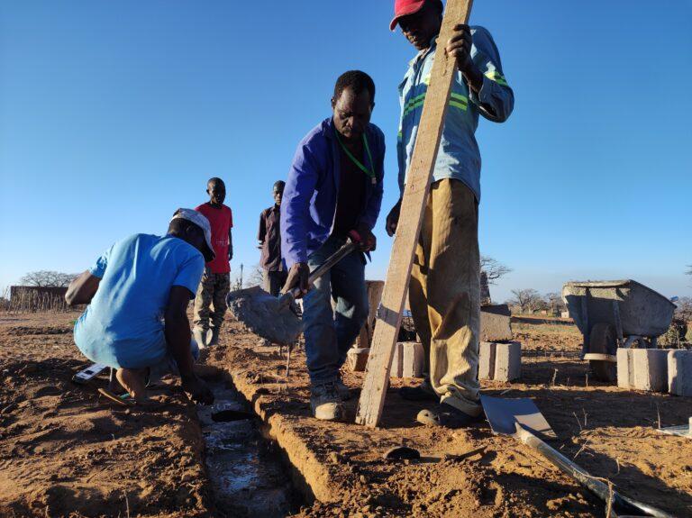 Inizio scavo per realizzazione fonte comunitaria